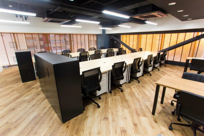 「OAフロア」でオフィスの景観と安全性を劇的に改善!