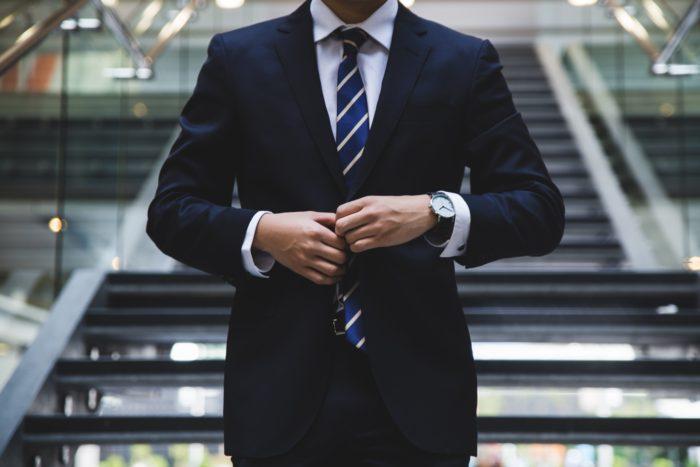 外出の多い営業さんにおすすめ!資料のクラウド共有で業務効率アップ